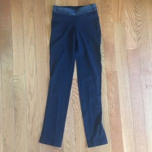 Lululemon back pocket pant tights size 2 black